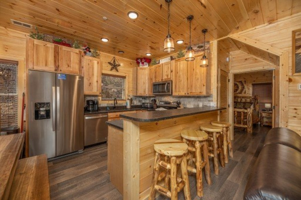 Photo of a Pigeon Forge Cabin named Wet Feet Retreat - This is the seventh photo in the set.