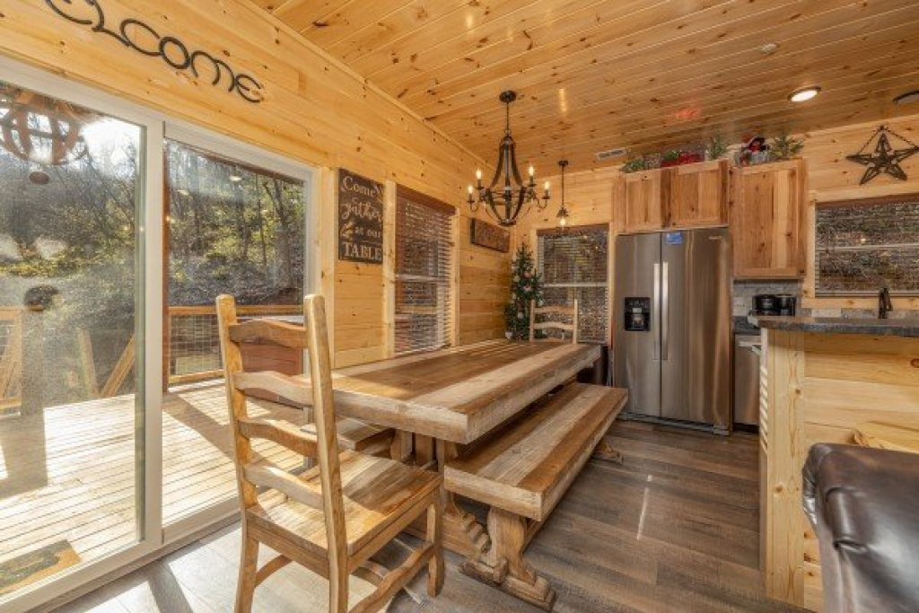 Photo of a Pigeon Forge Cabin named Wet Feet Retreat - This is the sixth photo in the set.