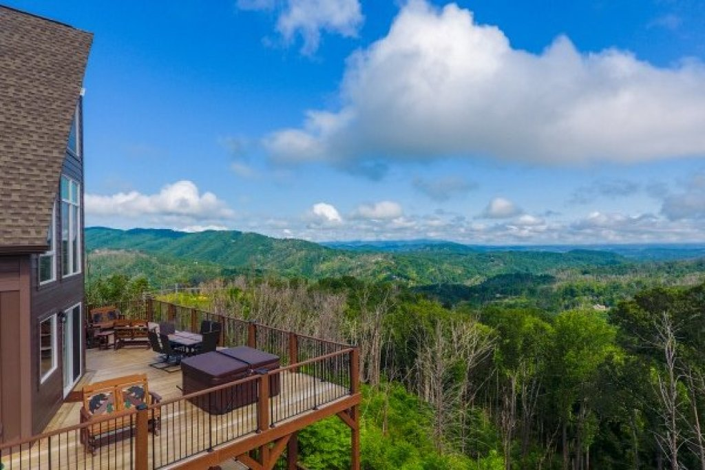 Photo of a Gatlinburg Cabin named The Best View Lodge - This is the sixth photo in the set.