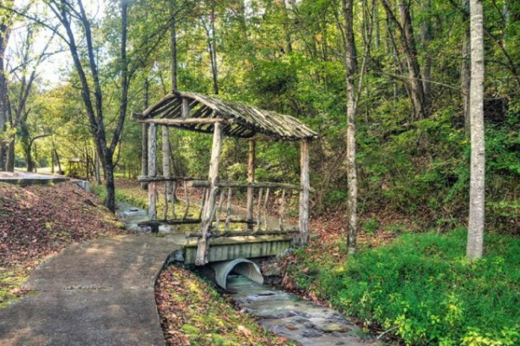 Photo of a Pigeon Forge Cabin named Wet Feet Retreat - This is the forty-first photo in the set.
