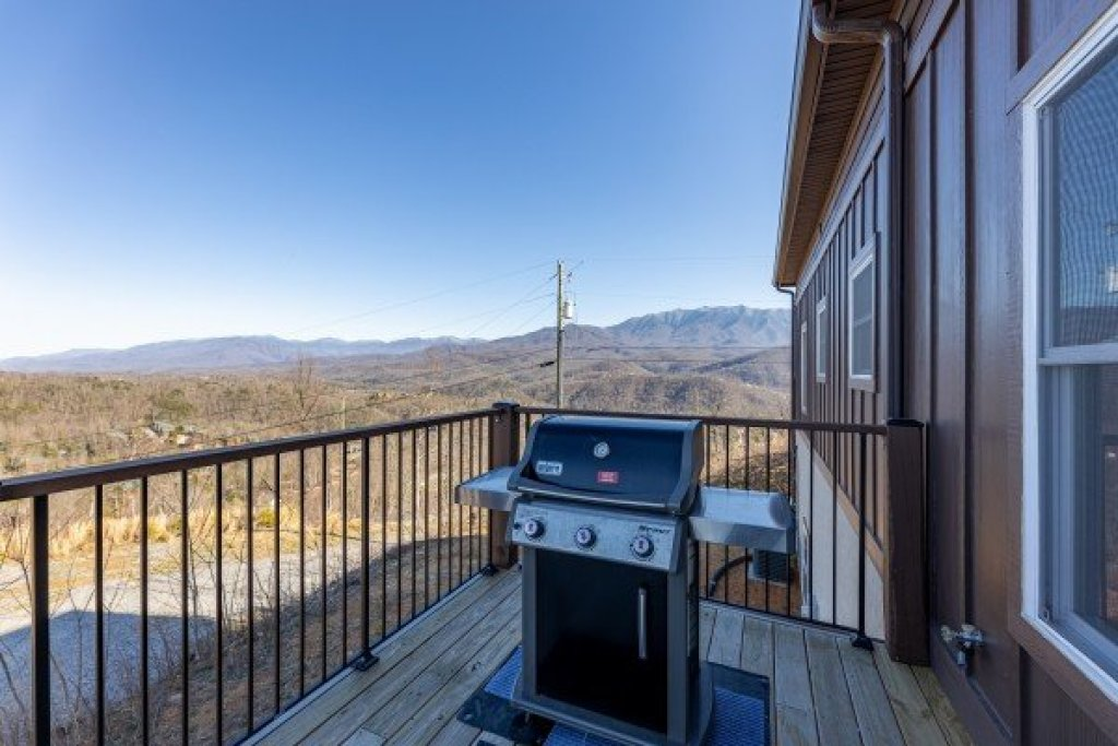 Photo of a Gatlinburg Cabin named The Best View Lodge - This is the forty-third photo in the set.