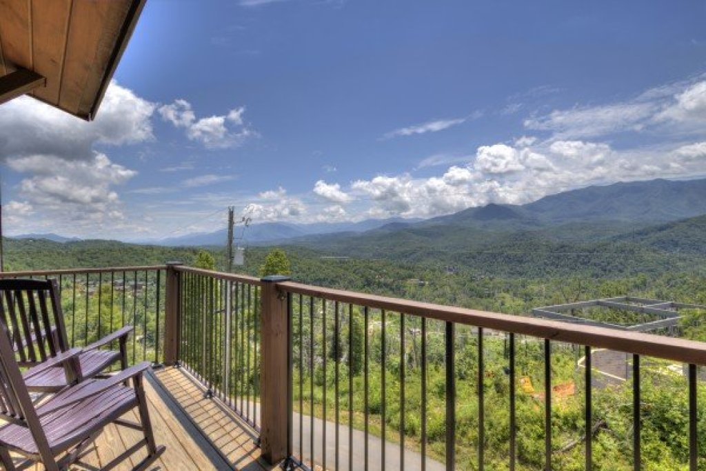 Photo of a Gatlinburg Cabin named The Best View Lodge - This is the fortieth photo in the set.