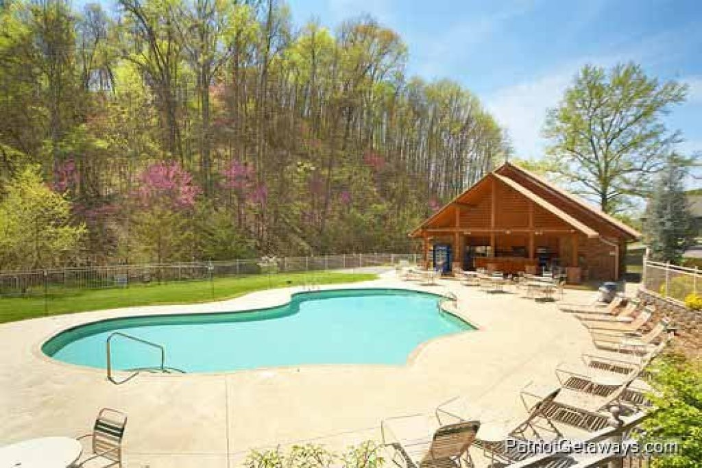 Photo of a Pigeon Forge Cabin named Wet Feet Retreat - This is the forty-second photo in the set.