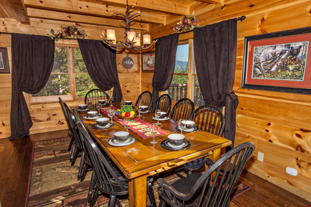 Photo of a Sevierville Cabin named Where Eagles Fly - This is the eighth photo in the set.