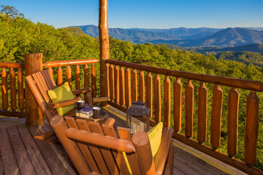 Photo of a Sevierville Cabin named Where Eagles Fly - This is the fourteenth photo in the set.