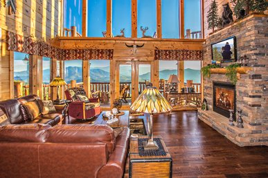 Breathtaking Views Of The Smokies! With Theater  Room &  $700 Free Coupons!!
