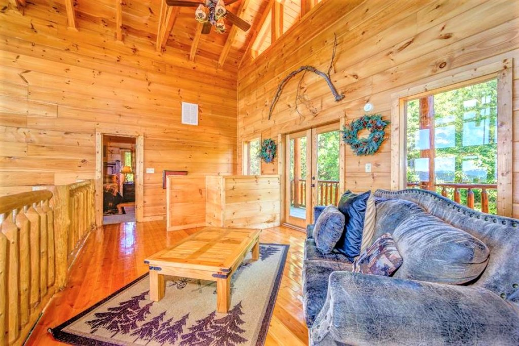 Photo of a Sevierville Cabin named Where Eagles Fly - This is the forty-first photo in the set.