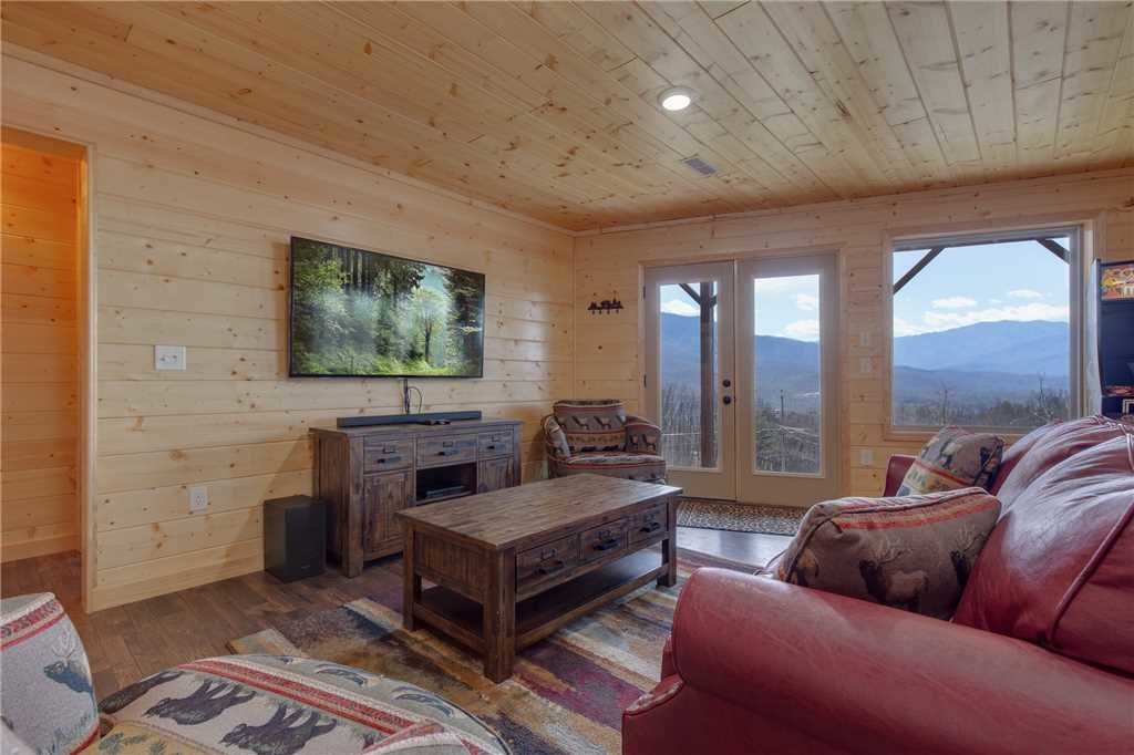Photo of a Gatlinburg Cabin named Eagles View - This is the fourteenth photo in the set.