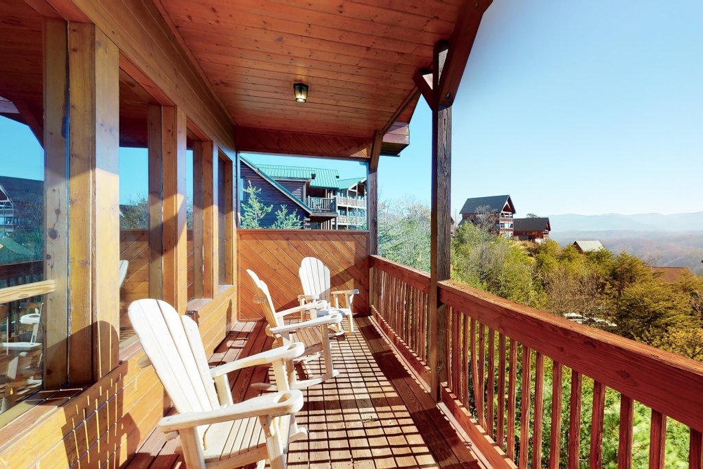 Photo of a Pigeon Forge Cabin named Grand View Lodge - This is the thirty-fifth photo in the set.