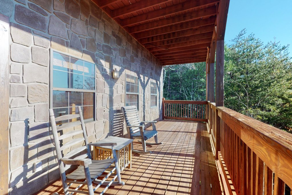 Photo of a Pigeon Forge Cabin named Grand View Lodge - This is the thirtieth photo in the set.