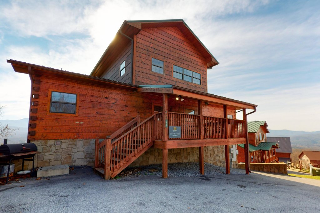Photo of a Pigeon Forge Cabin named Grand View Lodge - This is the thirty-sixth photo in the set.