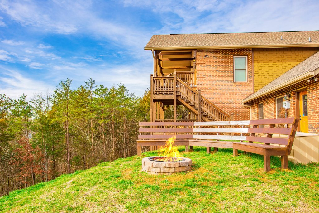 Photo of a Sevierville Cabin named Secluded Sunrise - This is the first photo in the set.