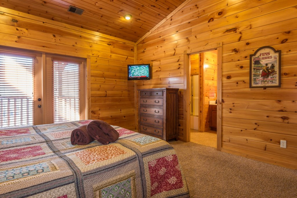Photo of a Gatlinburg Cabin named Spark Of Life - This is the twentieth photo in the set.