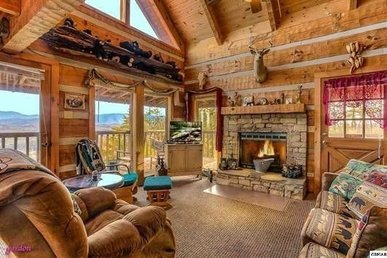 A 1 Bedroom, 2 Bath, Deluxe Cabin For 6 With Wrap Around Porch & Stellar Views!