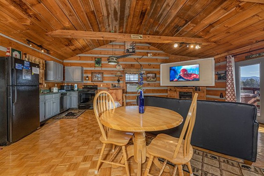 Photo of a Pigeon Forge Cabin named A Panoramic View - This is the seventh photo in the set.