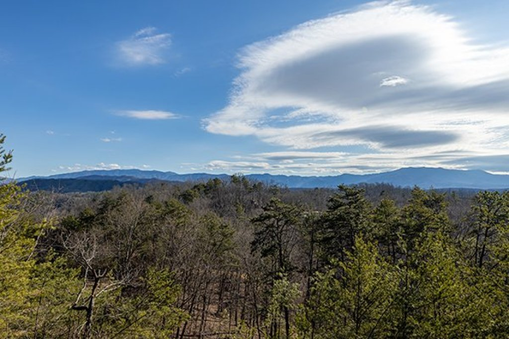 Photo of a Pigeon Forge Cabin named A Panoramic View - This is the fifteenth photo in the set.