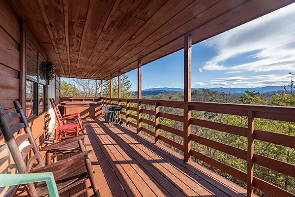 Photo of a Pigeon Forge Cabin named A Panoramic View - This is the thirteenth photo in the set.