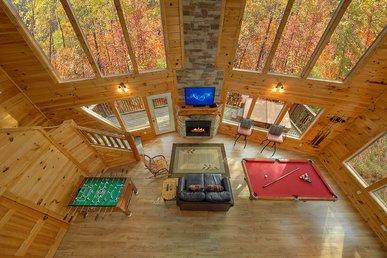 Amazing 2 Bedroom Romantic Cabin - 18 Foot Rain Tower Shower
