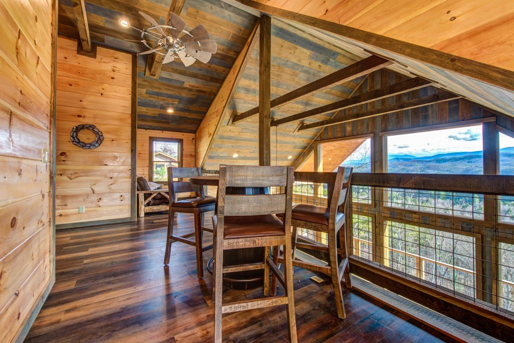 Photo of a Sevierville Cabin named Bearfoot Landing - This is the twenty-first photo in the set.