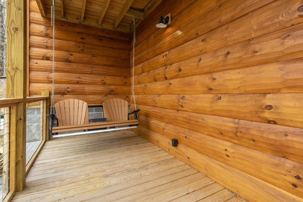 Photo of a Sevierville Cabin named Bearfoot Landing - This is the twenty-fourth photo in the set.