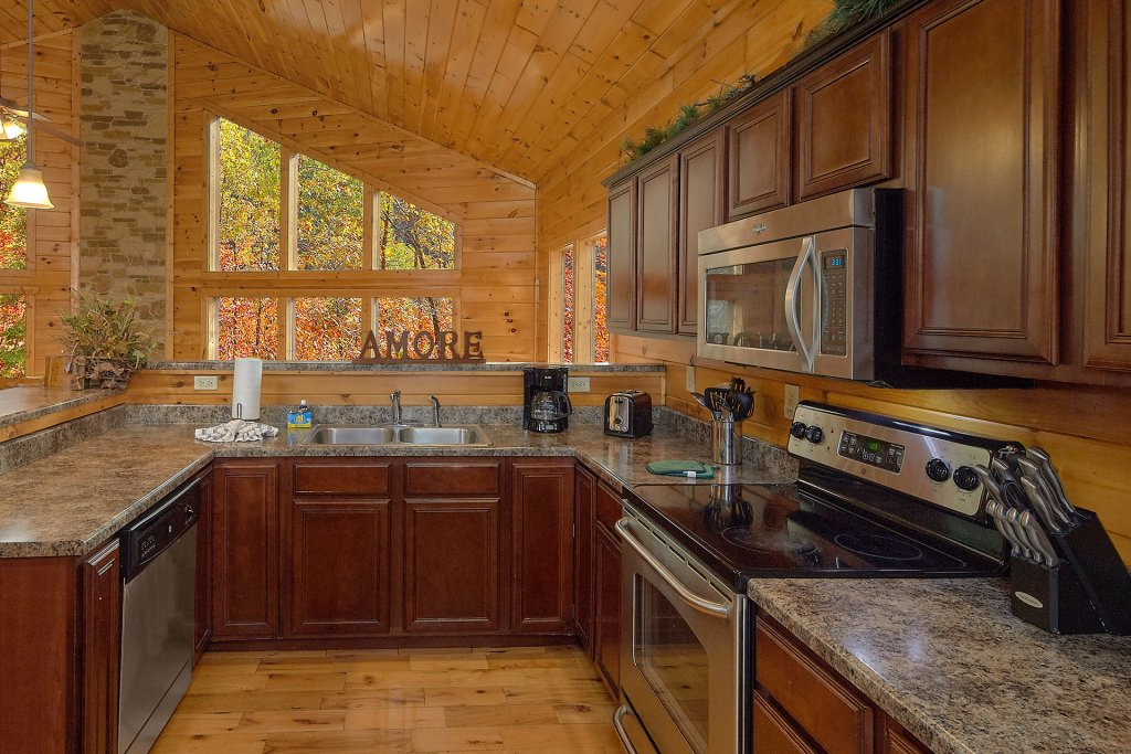 Photo of a Gatlinburg Cabin named Chalet D'amour - This is the eleventh photo in the set.
