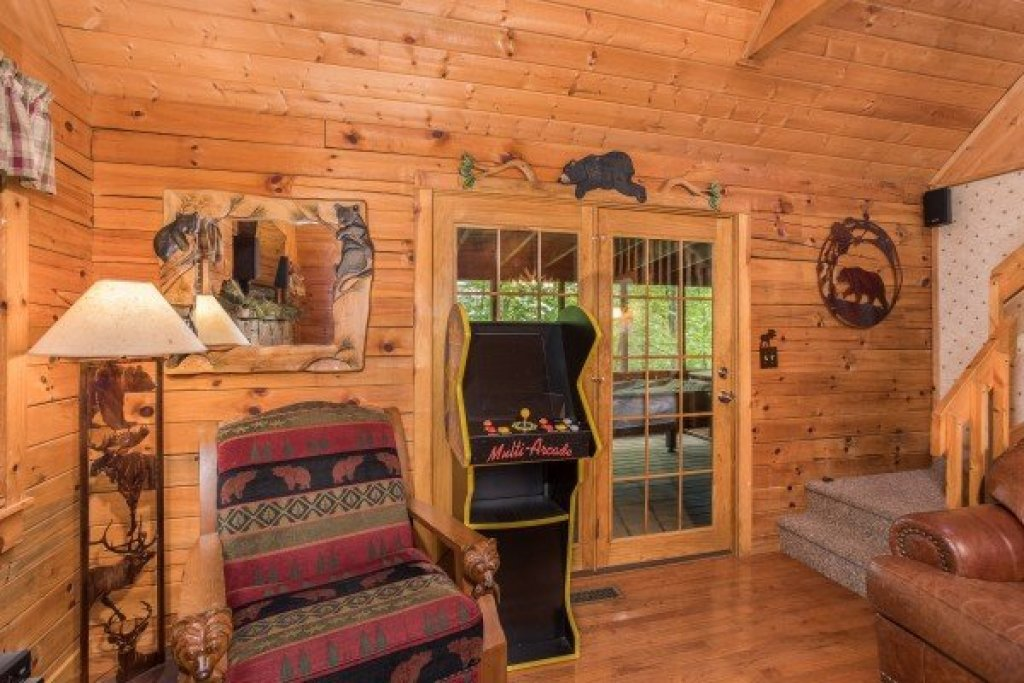 Photo of a Sevierville Cabin named Whispering Pines - This is the fourth photo in the set.
