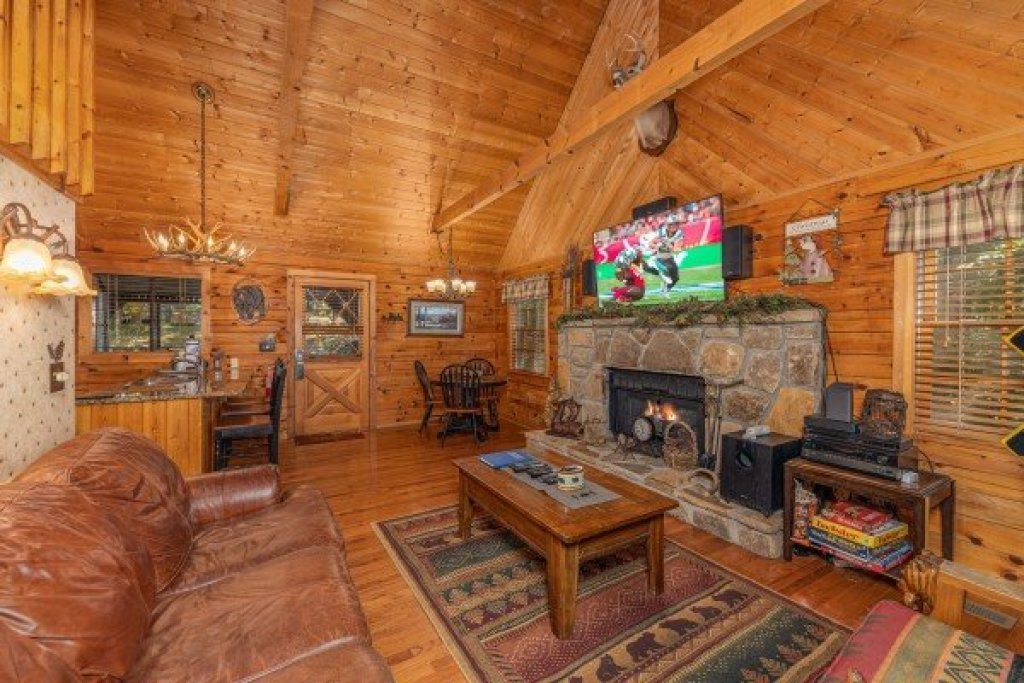 Photo of a Sevierville Cabin named Whispering Pines - This is the third photo in the set.