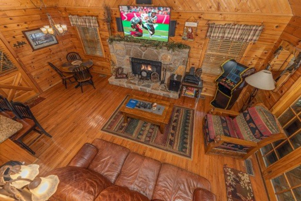 Photo of a Sevierville Cabin named Whispering Pines - This is the fifteenth photo in the set.