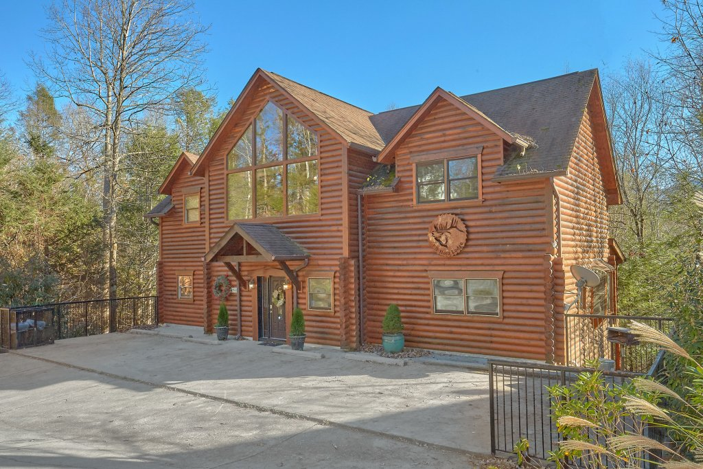 Photo of a Gatlinburg Cabin named Elkhorn Lodge - This is the second photo in the set.