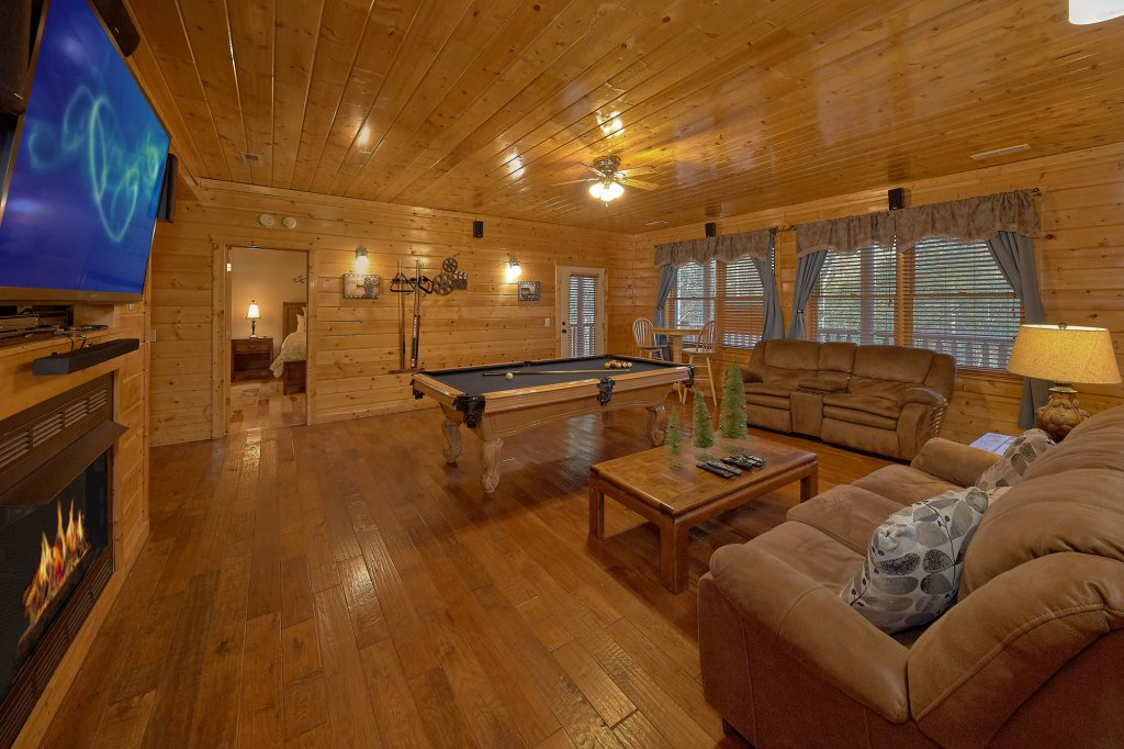 Photo of a Gatlinburg Cabin named Elkhorn Lodge - This is the eleventh photo in the set.