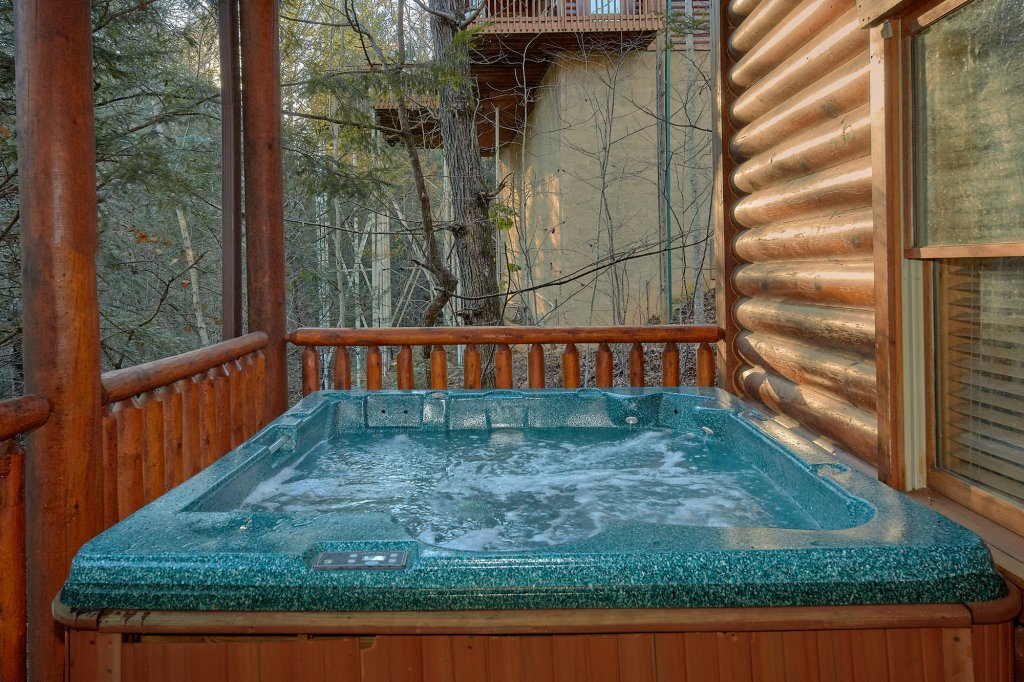 Photo of a Gatlinburg Cabin named Elkhorn Lodge - This is the fourth photo in the set.