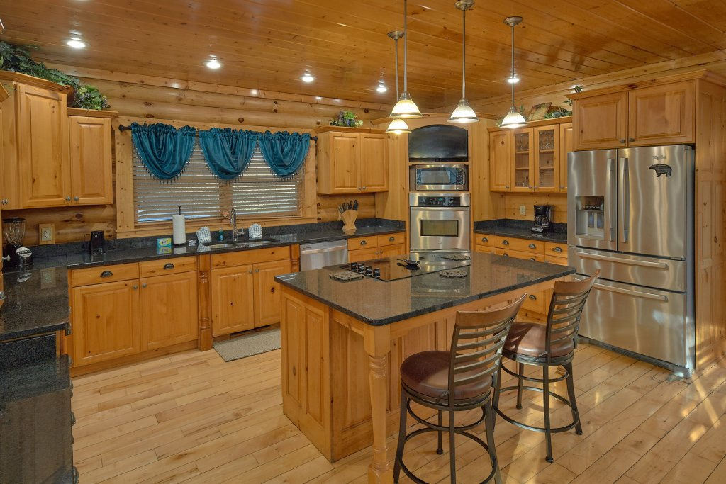 Photo of a Gatlinburg Cabin named Elkhorn Lodge - This is the thirteenth photo in the set.