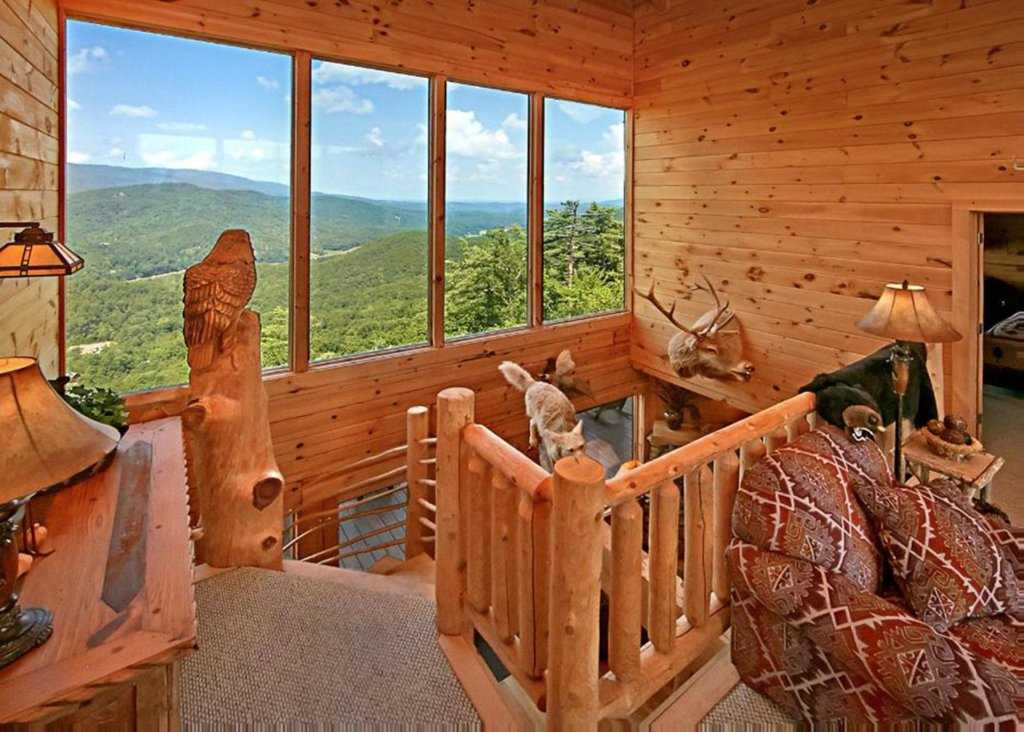 Photo of a Sevierville Cabin named Above It All #38 - This is the eighth photo in the set.