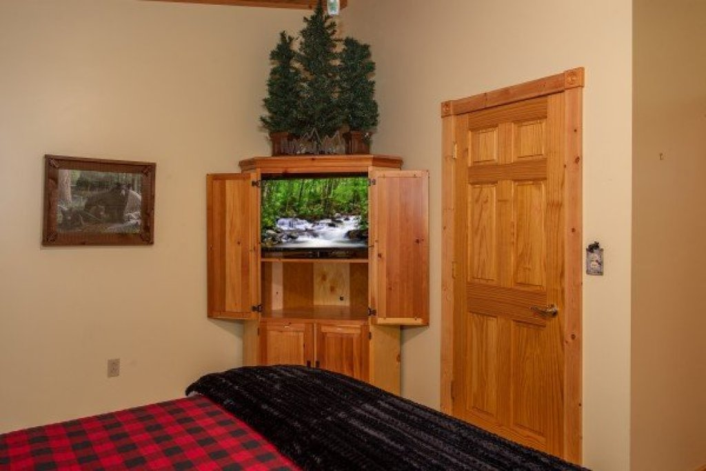 Photo of a Sevierville Cabin named Stream On! - This is the twenty-third photo in the set.