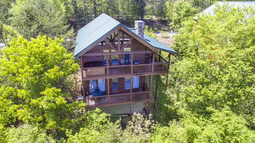 Photo of a Sevierville Cabin named  Absolute Paradise - This is the fifth photo in the set.