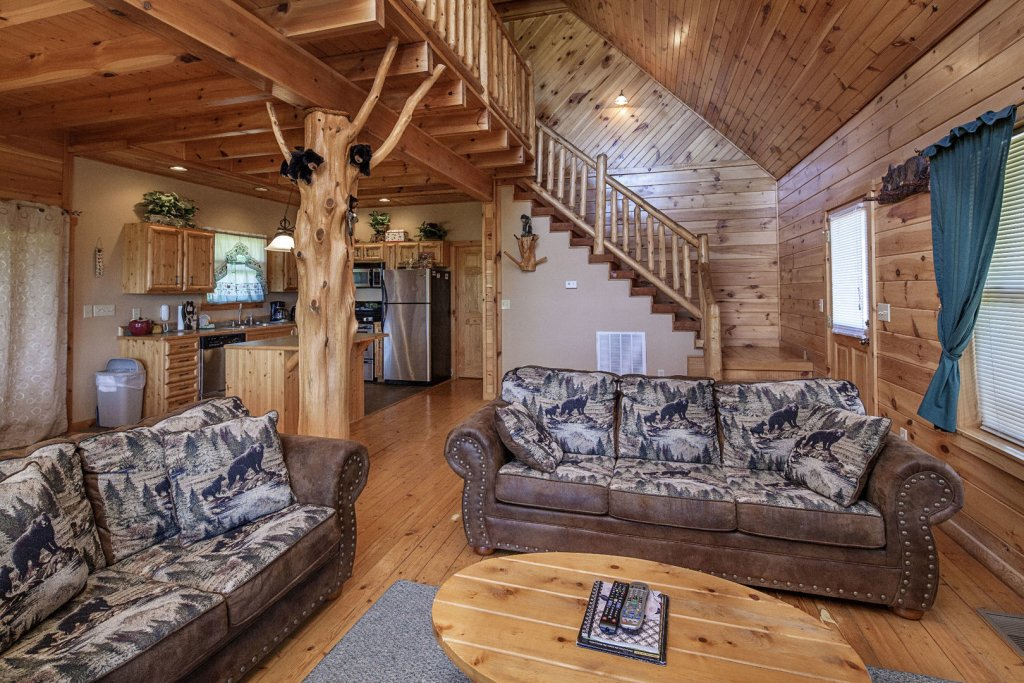 Photo of a Sevierville Cabin named Bear Hugs - This is the fourteenth photo in the set.