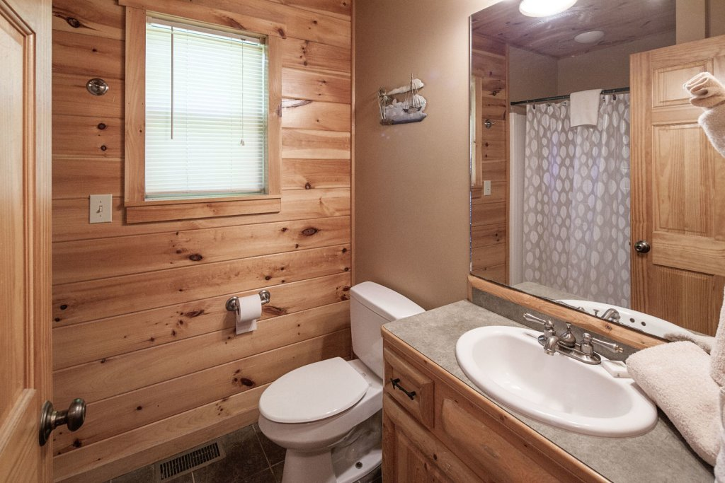 Photo of a Sevierville Cabin named Bear Hugs - This is the twenty-first photo in the set.