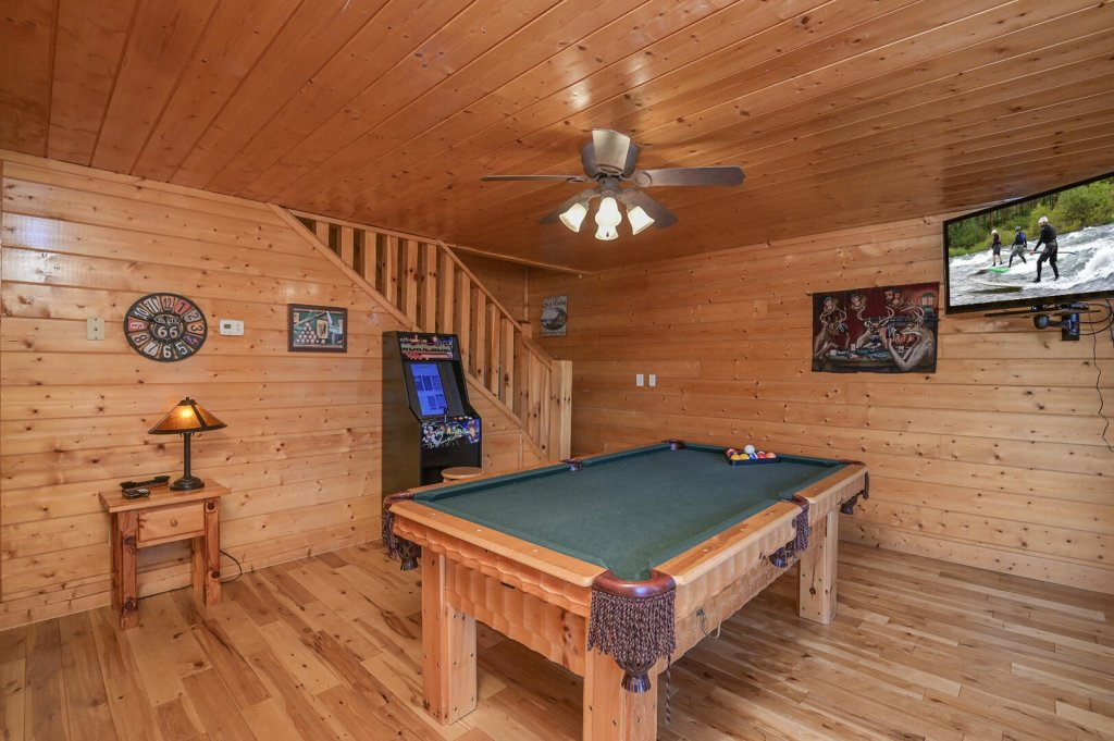 Photo of a Sevierville Cabin named Hillside Retreat - This is the sixteenth photo in the set.