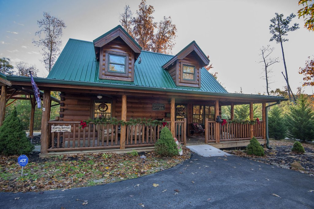Photo of a Sevierville Cabin named Liam's Retreat - This is the first photo in the set.