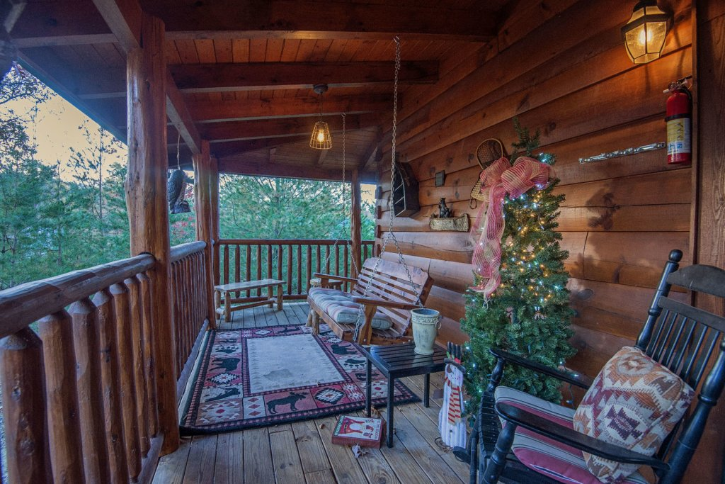 Photo of a Sevierville Cabin named Liam's Retreat - This is the thirty-eighth photo in the set.