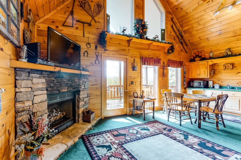 Photo of a Sevierville Cabin named Awesome View Cabin - This is the second photo in the set.