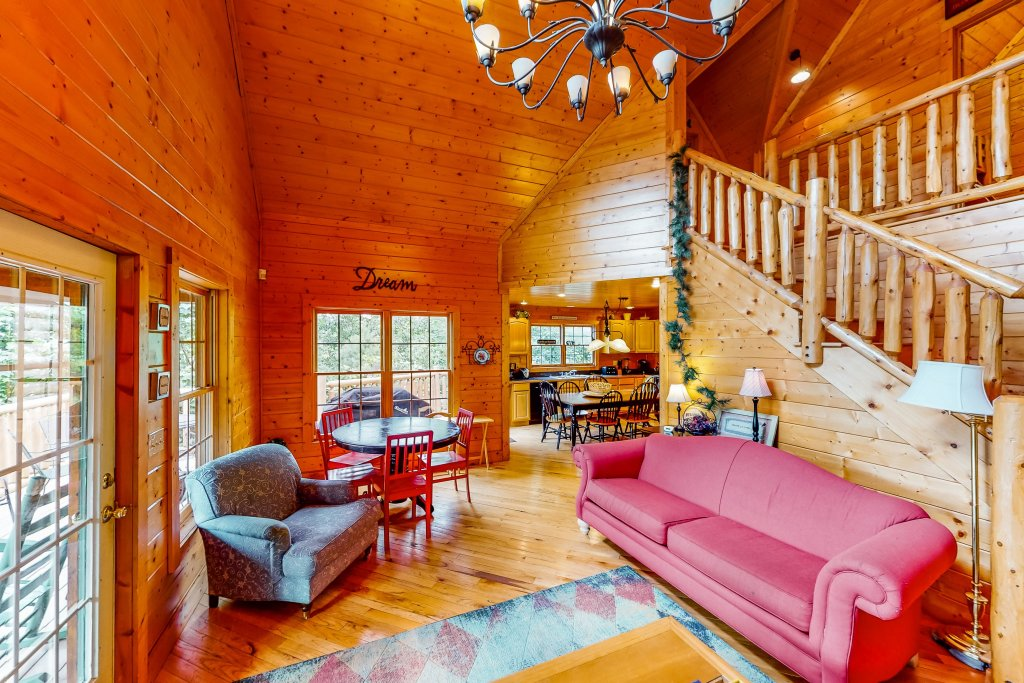 Photo of a Gatlinburg Cabin named Sugar Bear Retreat - This is the second photo in the set.