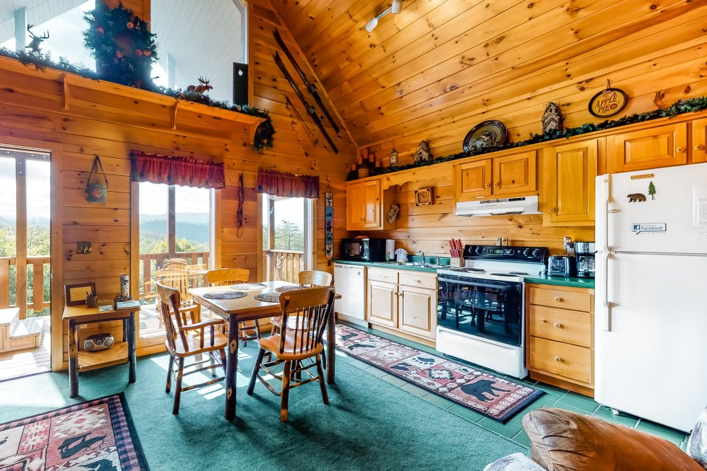 Photo of a Sevierville Cabin named Awesome View Cabin - This is the fourth photo in the set.