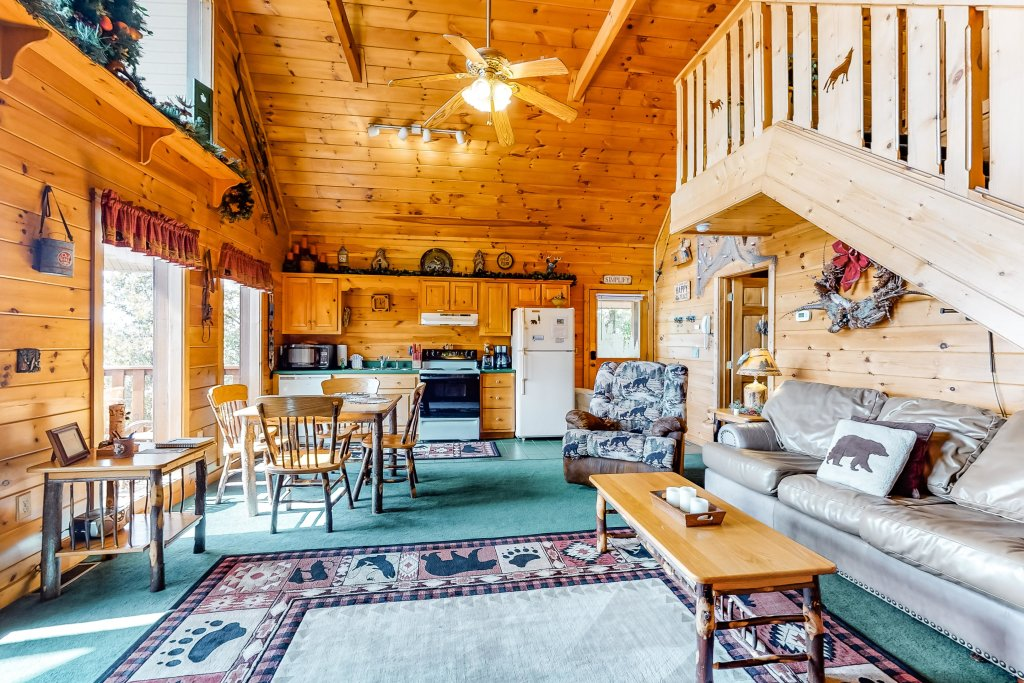 Photo of a Sevierville Cabin named Awesome View Cabin - This is the third photo in the set.