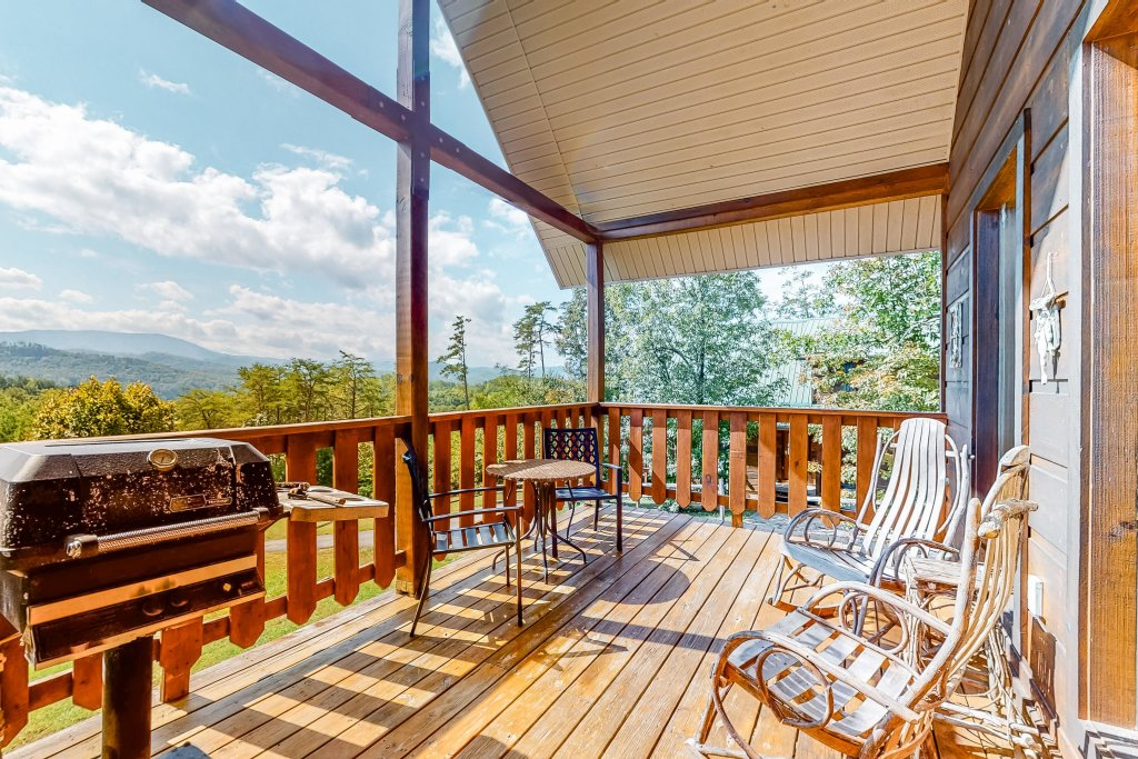 Photo of a Sevierville Cabin named Awesome View Cabin - This is the fifteenth photo in the set.