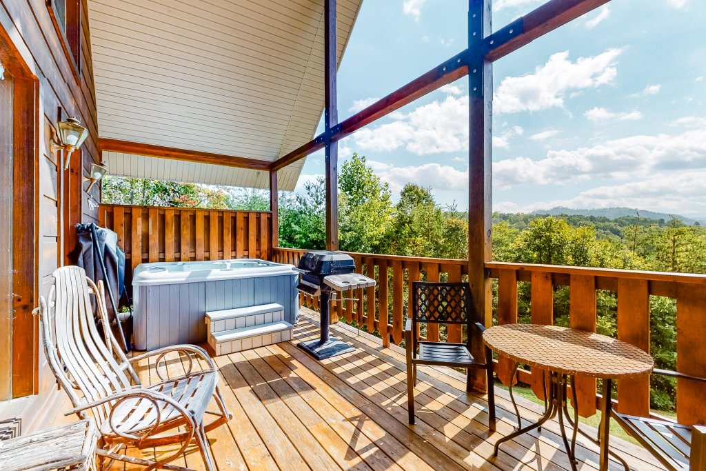 Photo of a Sevierville Cabin named Awesome View Cabin - This is the sixteenth photo in the set.
