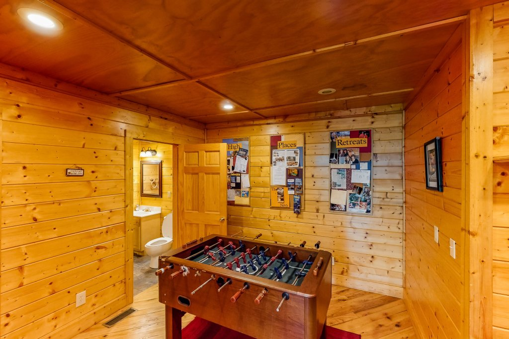 Photo of a Gatlinburg Cabin named Sugar Bear Retreat - This is the twenty-second photo in the set.
