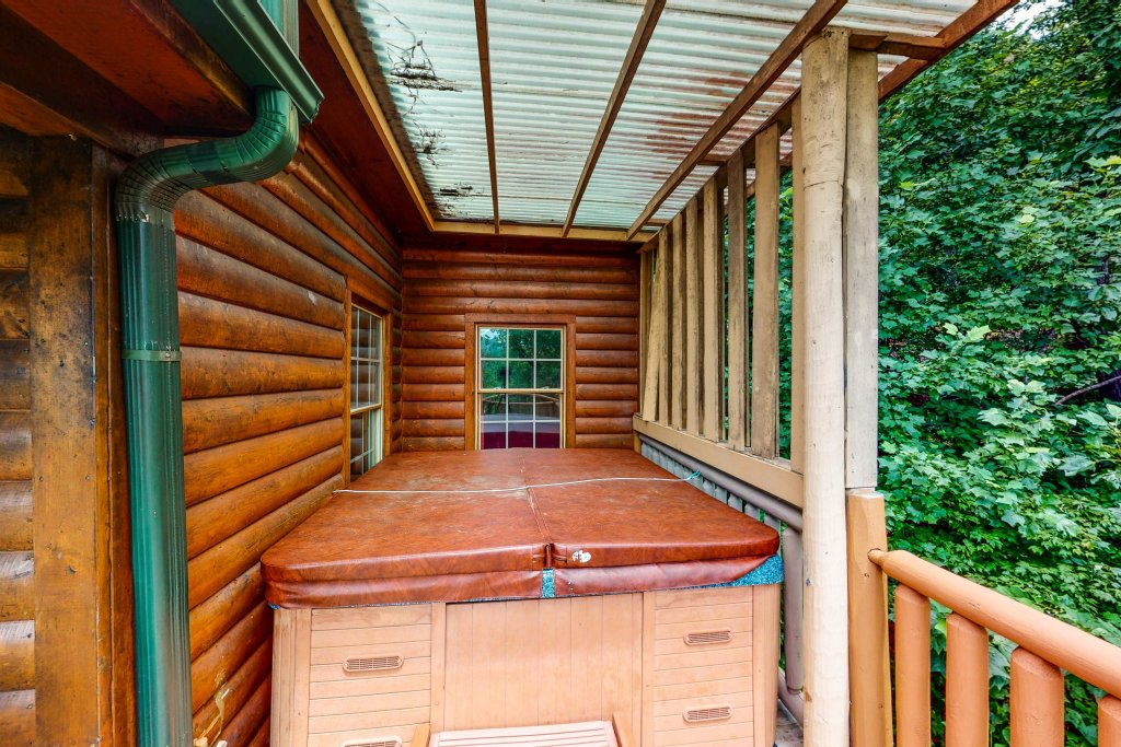 Photo of a Gatlinburg Cabin named Sugar Bear Retreat - This is the twenty-fifth photo in the set.