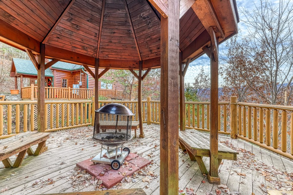 Photo of a Gatlinburg Cabin named Sugar Bear Retreat - This is the thirty-third photo in the set.