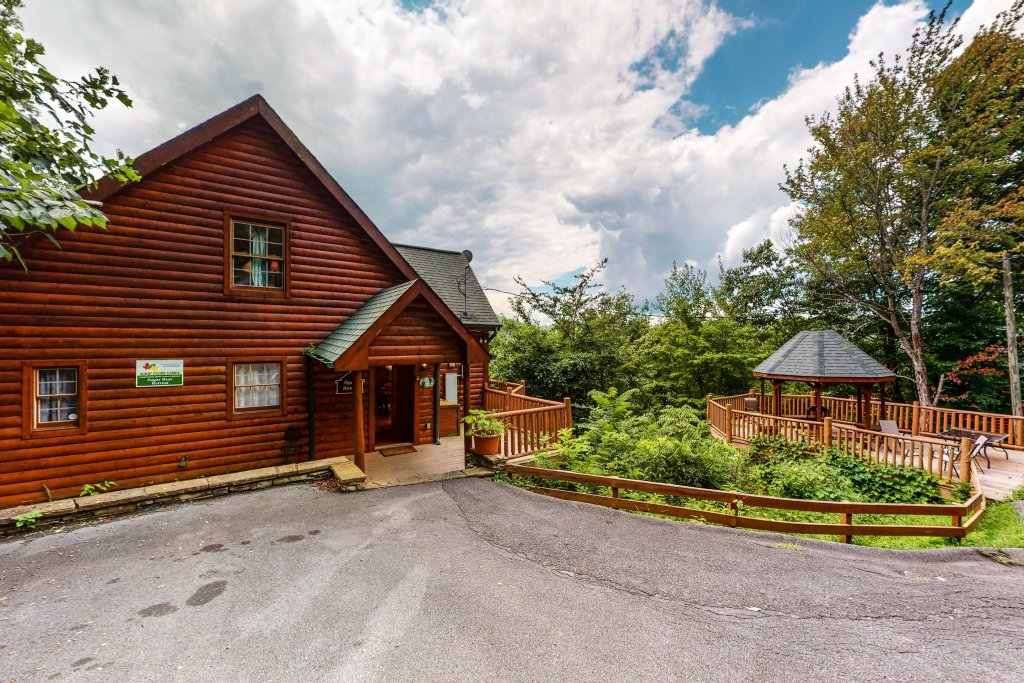Photo of a Gatlinburg Cabin named Sugar Bear Retreat - This is the thirty-first photo in the set.